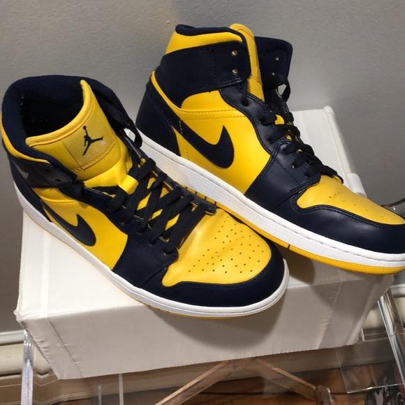 Jordan Shoes   Air Jordan Mid Michigan